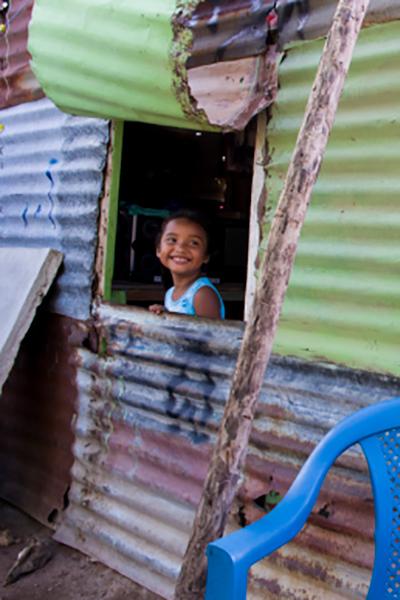 """<div class=""""c_news"""">[TÉMOIGNAGE]</div>Des faubourgs de Moscou aux bidonvilles du Nicaragua, l'incroyable histoire de «la Russa»"""
